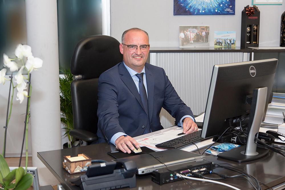 Bürgermeister Willibald Goldenits im Gemeindeamt Tadten