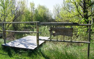 Holzbrücke auf der Bogensportanlage